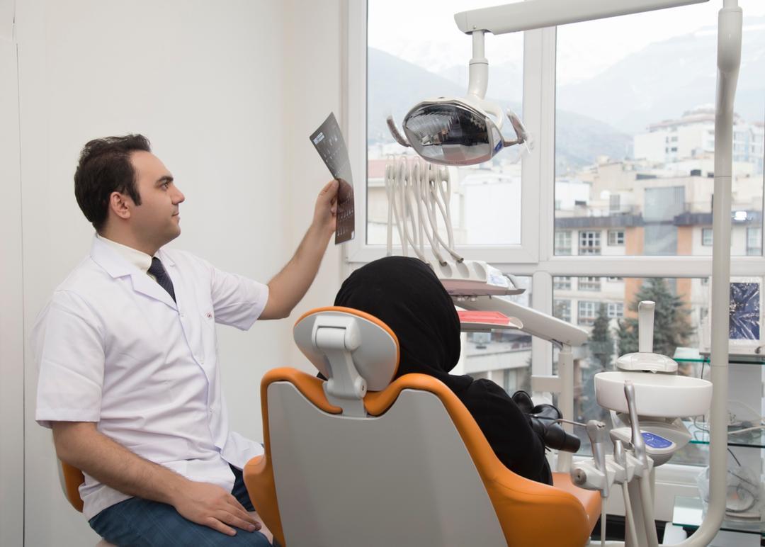 دکتر عزیز گشاده رو - ایمپلنت دیجیتالی
