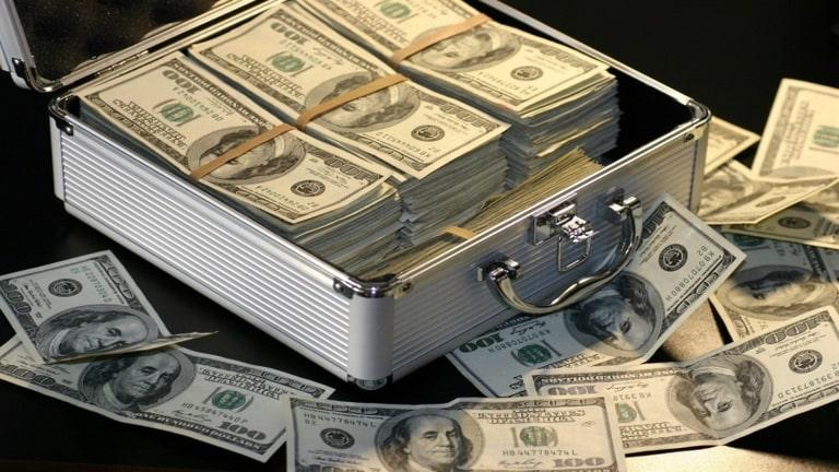 دلال 16 ساله از فروش PS5 به درآمد میلیون دلاری رسید!