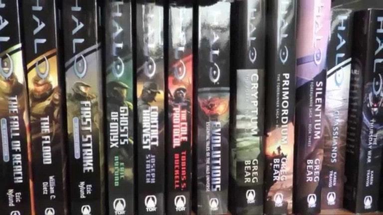 10 حقیقت جالب توجه در مورد فرانچایز Halo انبوه کتابها و کمیکهای هیلو