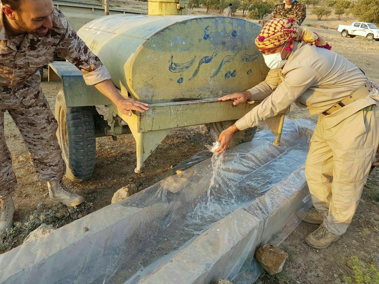 ساخت آبشخورها برای حفظ حیات وحش در کرمانشاه