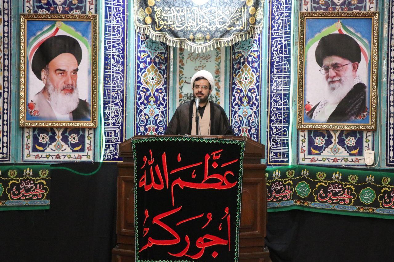 هیچ نهادی به اندازه مسجد به انقلاب خدمت نکرده است / طالبان همان طالبان است فقط شیوه ها و شگردهایش را عوض کرده است کسی در ایران دنبال تطهیر طالبان نیست