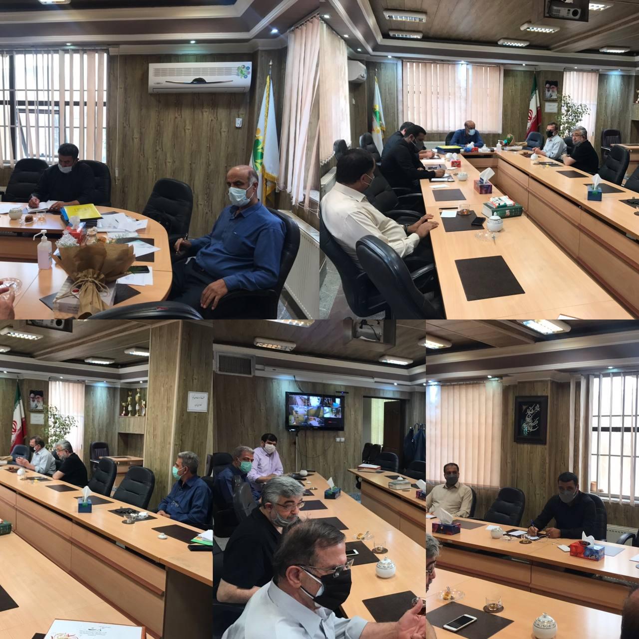 جلسه هم اندیشی بررسی مسائل و مشکلات مجتمع خیریه فاطمیه محله مرانک شهر آبسرد برگزار شد.