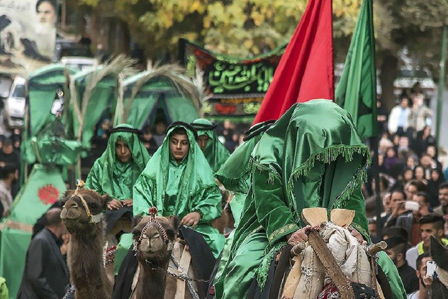 """اجرای مراسم نمادین """"ورود کاروان اهل بیت(ع) به شام"""" در کرمانشاه"""