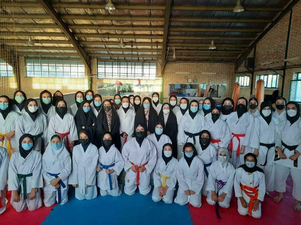 نخستین تمرین مشترک دختران کاراتهکا شهرستان دماوند در سال ۱۴۰۰