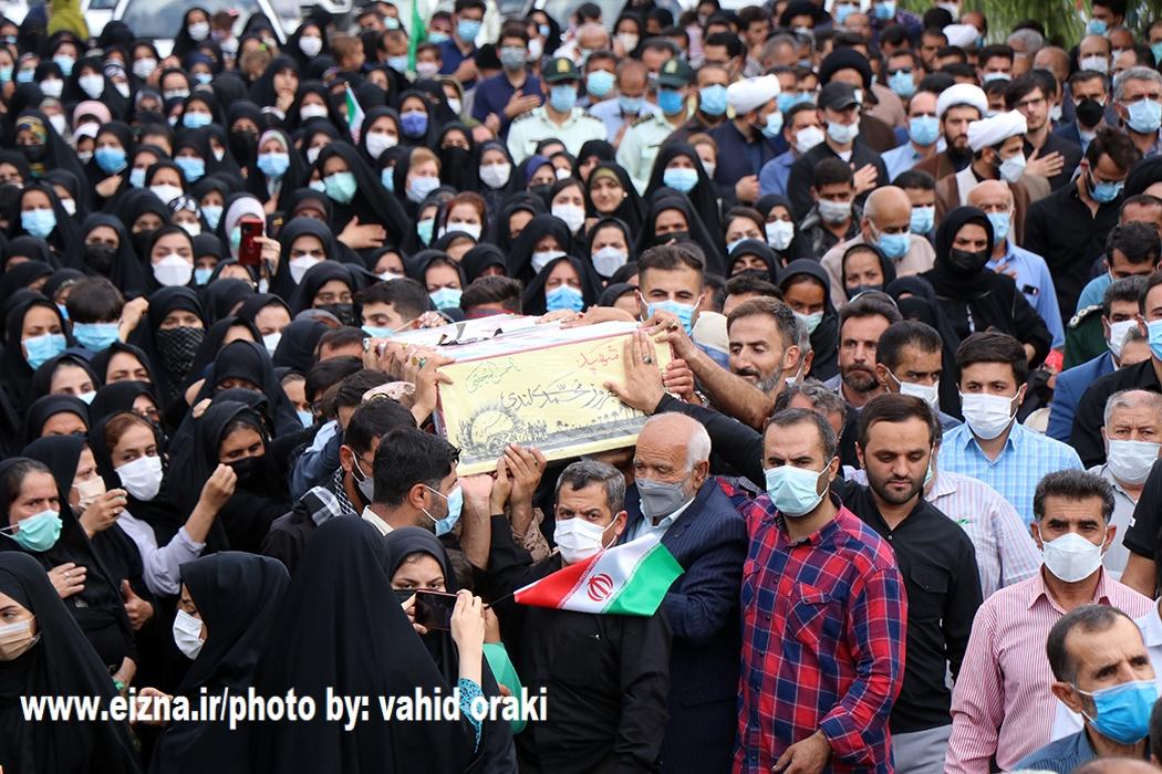 بازگشت پیکر شهید بهروز محمدی و شهید عبدالله موسوی پس از 38 سال جاویدالاثری/استقبال باشکوه مردم ایذه از شهدای تازه تفحص شده/عکاس: وحید اورکی