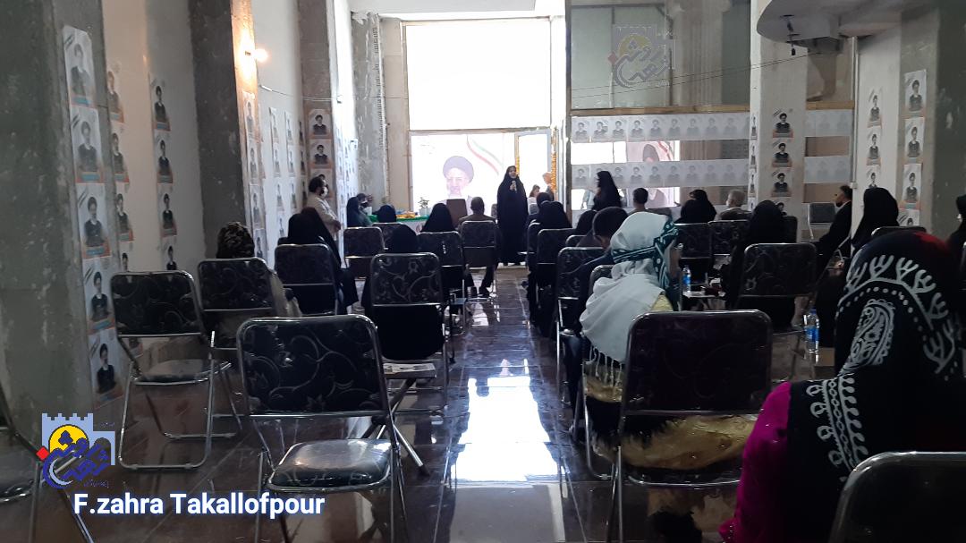 حضور بانوان در انتخاب اصلح راهگشا امید و کارآفرینی است